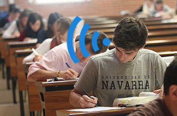 Copier dans un examen avec un micro oreillette